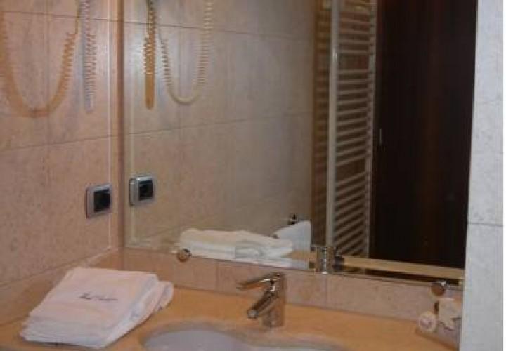 hotel purlilium pordenone with love. Black Bedroom Furniture Sets. Home Design Ideas